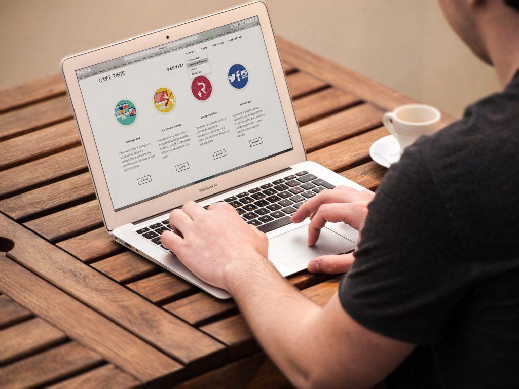 מעצב אתרים מקצועי